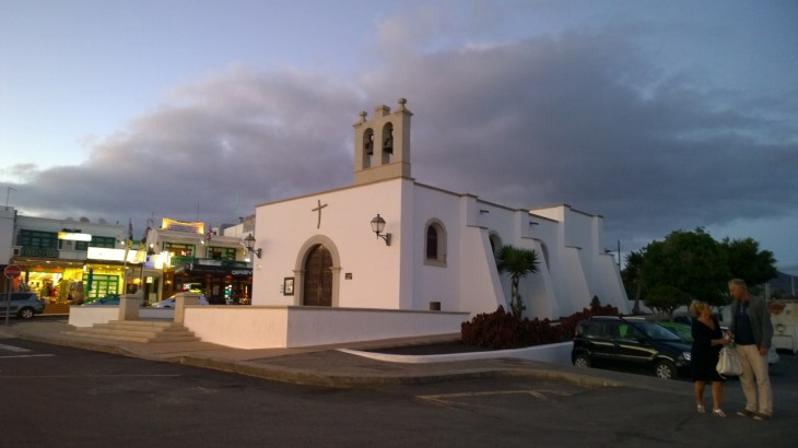 lanzarote-playa-blanca-church