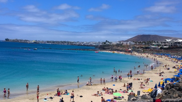lanzarote-Playa-blanca-main-beach