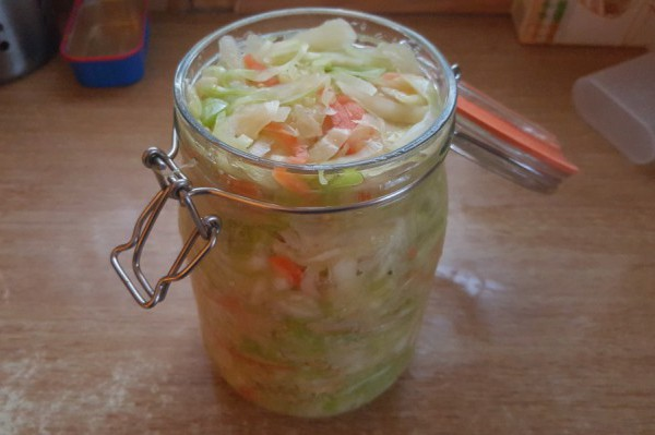 sauerkraut, fermenting, fermented foods, gut health
