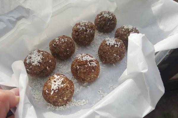 raw energy balls, vegan, paleo, recipe, gluten free, dairy free