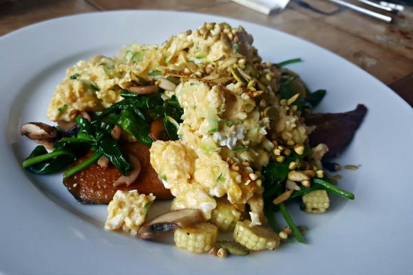 scrambled eggs breakfast january 2017
