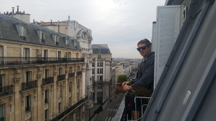 daz on montmartre balcony